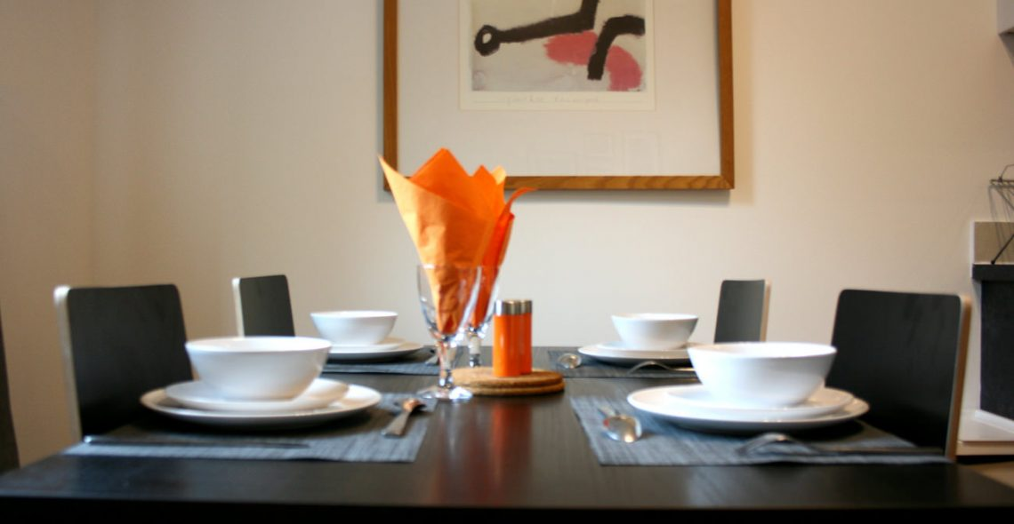 Westciti Chatsworth Road Apartments Dining Table